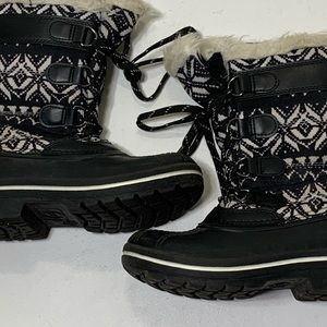 wonder nation Shoes - Girls Size 13 Wonder Nation Winter Snow Boots
